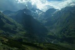 Горные пики лета гор Альпов Стоковое Изображение RF