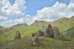 Горные породы в горах Macin стоковые изображения