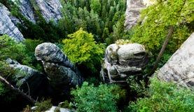 Горные породы в Saxon Швейцарии стоковая фотография rf