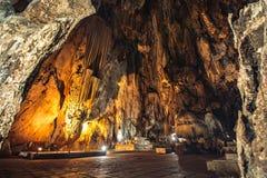 Горные породы сталактита в виске гор известняка Стоковая Фотография