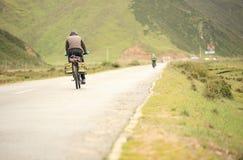 Горный велосипед едет Тибет, фарфор - изображение запаса Стоковая Фотография