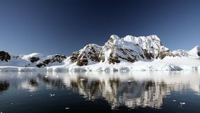 Горный вид в Антарктике сток-видео