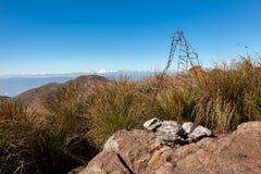 Горный вид ландшафта от саммита государственнаяа граница Pico Três Эстадос 3 стоковое изображение rf