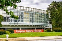 Горный вид 9-ое мая 2019/CA/США - музей истории компьютера в сердце Кремниевой долины; Экспонаты на предыдущих компьютерах и стоковые изображения