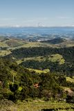 Горный вид от фермы в Cunha, Сан-Паулу Горная цепь в t Стоковые Изображения RF