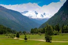 Горный вид Швейцарии Стоковая Фотография