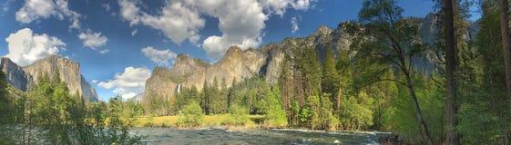 Горный вид El Capitan национального парка Yosemite от долины Стоковое фото RF