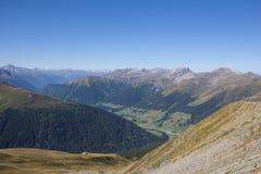 Горный вид от Jakobshorn в ¼ Давос Graubà nden Швейцария Стоковая Фотография RF