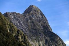Горный вид Milford Sound Стоковое Изображение RF