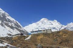 Горный пик Гималаев Annapurna южный в голубом небе, Непале Стоковое Изображение