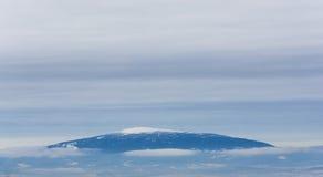 Горный пик Snowy в сердце национального парка ледника в Монтане, США Стоковая Фотография
