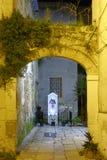 Городок Бари старый, Апулия, Италия ночной still стоковое фото