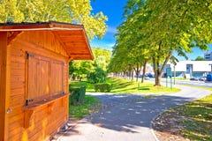 Городок взгляда парка и улицы Virovitica Стоковые Изображения RF