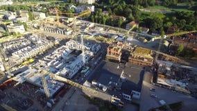 Городок Вильнюса старый с республикой Uzupis в предпосылке Свет захода солнца Литва видеоматериал