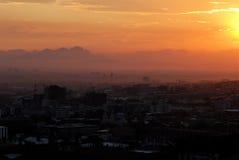 городок восхода солнца плащи-накидк Стоковые Изображения RF