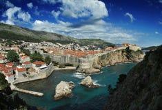 городок панорамы Хорватии dubrovnik новый старый Стоковое Изображение
