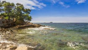 Городок пляжа Rovinj в Хорватии Стоковые Изображения