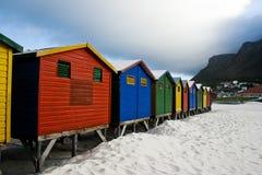 городок хат плащи-накидк пляжа Стоковые Изображения RF