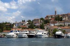 городок Хорватии шлюпок гаван vrsar Стоковое Изображение