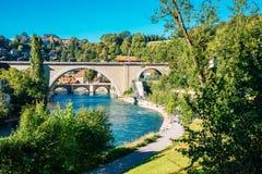 Городок Bern старый с рекой на Швейцарии Стоковая Фотография