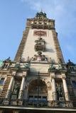 городок hamburg здание муниципалитет стоковые фото