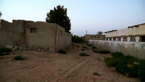 Городок Jazirah Alhamra Al старый - покинутая деревня в самом малом эмирате ОАЭ - Рас-Аль-Хайма съемка steadycam видеоматериал