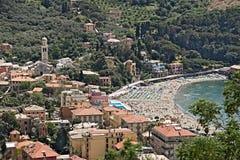 Городок Levanto увиденный от холмов, около Cinque Terre ?? стоковое фото rf