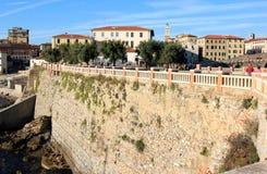 Городок Piombino вдоль итальянского свободного полета Стоковое Изображение