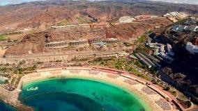 Городок Puerto de Mogan на побережье острова Гран-Канарии сток-видео