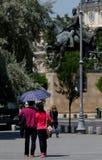 Городская жизнь - бульвар победы - Бухарест, Румыния стоковые изображения rf