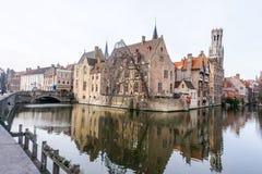 Городской Брюгге, Бельгия в зиме стоковые изображения