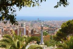 Городской пейзаж Барселоны от парка Guell стоковое изображение rf