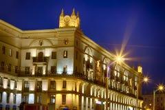 Городской пейзаж вечера с различными светами стоковые фотографии rf