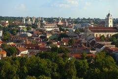 Городской пейзаж Вильнюса летом стоковое фото