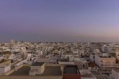 Городской пейзаж в Olhao, взгляд сумрака рыбацкого поселка Алгарве старого района Barreta Стоковое Фото