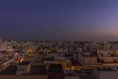 Городской пейзаж в Olhao, взгляд сумрака рыбацкого поселка Алгарве старого района Barreta Стоковые Фото