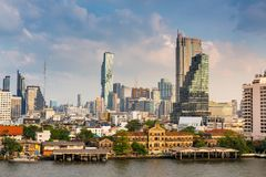 Городской пейзаж города Бангкока и здания небоскребов Таиланда , Ландшафт дела и финансовый центр Таиланда , стоковые изображения rf