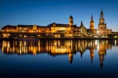 Городской пейзаж Дрездена во время сумерк Дрезден, Германия, Европа стоковое фото rf