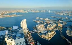 Городской пейзаж Иокогама на районе портового района Minato Mirai в виде с воздуха Стоковые Изображения RF