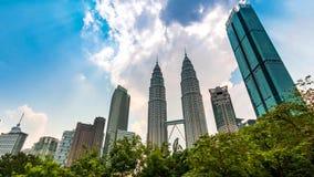 Городской пейзаж Куалаа-Лумпур промежутка времени Малайзии 4K опрокидывает вверх видеоматериал