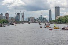 Городской пейзаж Лондона от моста Вестминстера, Англии, Великобритании Стоковое фото RF