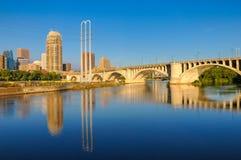 Городской пейзаж отражения стоковое изображение rf