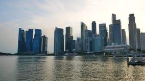 Городской пейзаж Сингапура на заходе солнца видеоматериал