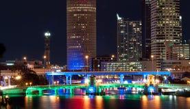 Городской пейзаж Тампа на ноче Стоковое Фото