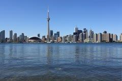 Городской пейзаж Торонто под ясным небом Стоковое Изображение RF