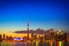Городской пейзаж Торонто с цветом отражения ярким Стоковые Изображения RF