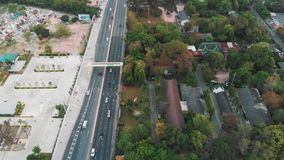 Городской пейзаж Юго-Восточной Азии на заходе солнца акции видеоматериалы