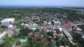 Городской пейзаж Puerto Princesa с морем и авиапортом в предпосылке Palawan, Филиппины видеоматериал