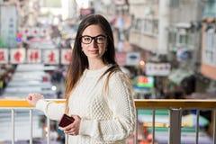Городской портрет молодой женщины closeup Стоковые Фотографии RF