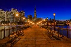 Городской Сан-Франциско и пирамида Transamerica на Chrismas Стоковые Фото